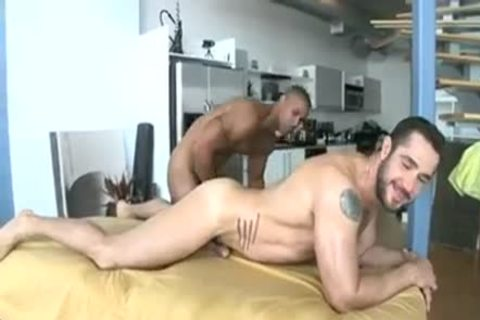 Buff Masseuse bonks taut darksome gap