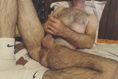 hirsute daddy guy Shows Off His Rock Solid 10-Pounder